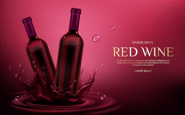 Twee gesloten glazen lege kolven met alcohol wijnstok drinken staan op de vloeibare plons en druppels van bourgondië