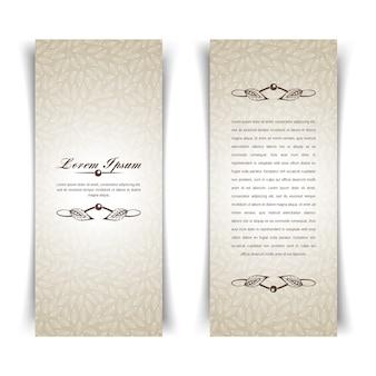 Twee verticale vintage beige kaart met florale elementen