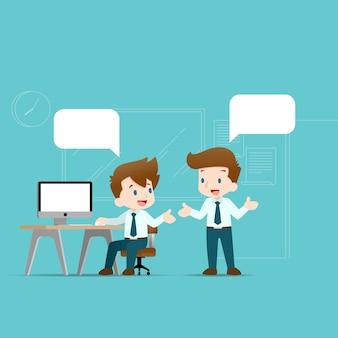 Twee zakenlieden die elkaar bespreken.