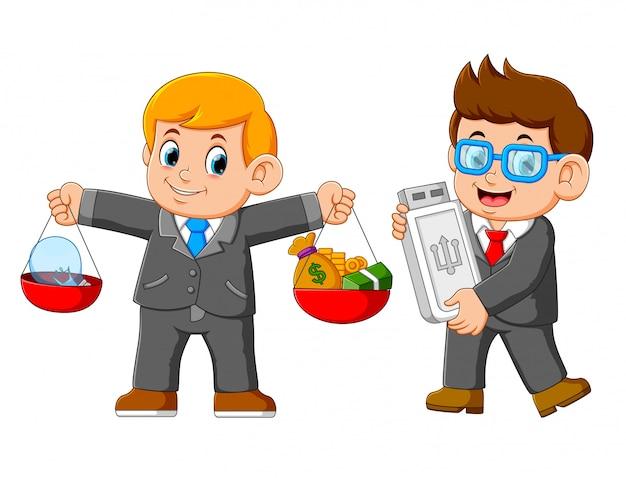 Twee zakenman die usb kaart houdt en een saldo draagt