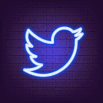 Twitter neon-logo. twitter-pictogram. pictogrammen voor sociale media. realistische twitter-app-set. logo. vector. zaporizja, oekraïne - 24 juli 2021