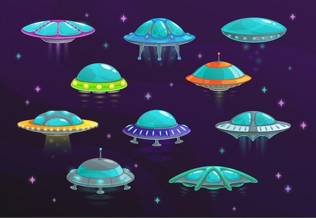 Ufo en buitenaards ruimteschip cartoon set van ruimtevaartuigen