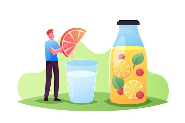 Uiterst klein mannelijk karakter pers grapefruitschijfje in enorm waterglas kokende smoothies, citroensap