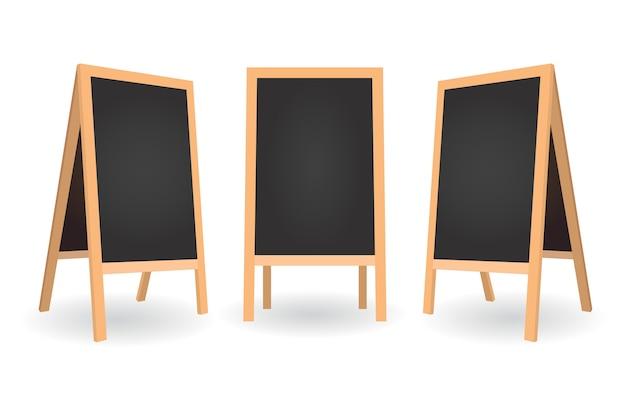 Uithangbordmenu voor café in verschillende positie. leeg schoon bord. schoolborden met houten lijsten.