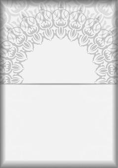 Uitnodigingskaartontwerp met ruimte voor uw tekst en vintage patronen. vector ready-to-print ontwerp voor wenskaart witte kleuren met mandala's.