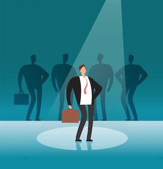 Unieke zakenman die zich in zoeklicht bevindt. onderscheiden door werkgevers-, loopbaan- en wervingsactiviteiten