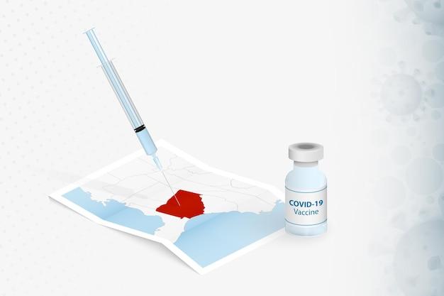Vaccinatie van georgië, injectie met covid-19-vaccin op de kaart van georgië.