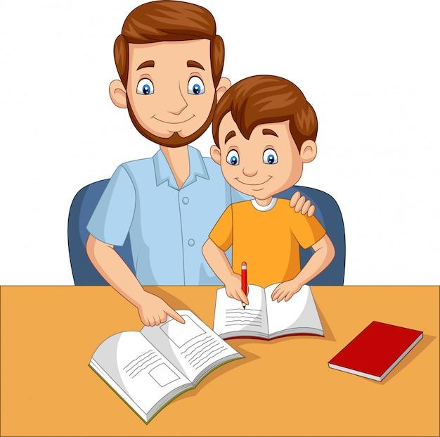Vader helpt zijn zoon huiswerk te maken