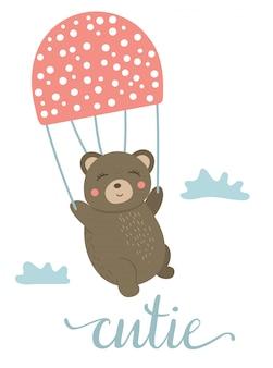 Vector cartoon stijl hand getekend platte beer vliegen op paddestoel als parachute tussen de wolken. grappige scène met teddy. leuk illustratie bosdier