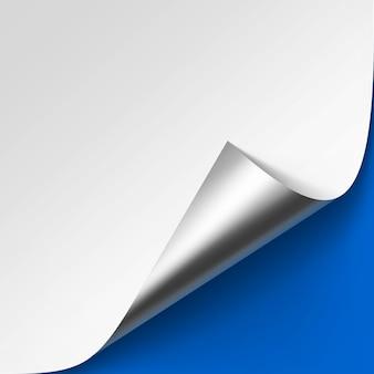 Vector gekrulde metalen zilveren hoek van wit papier met schaduw