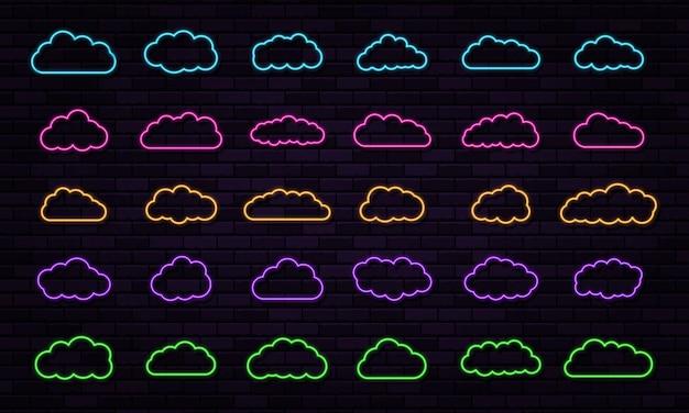 Vector neon wolken set schijnt op donkere achtergrond abstract elektrisch licht frame light