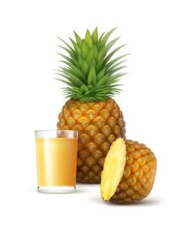 Vector rijp geheel en gesneden ananas met glas sap dat op witte achtergrond wordt geïsoleerd