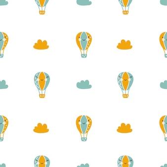 Vector scandinavische baby naadloze patroon van kleurrijke lucht ballonnen en wolken geïsoleerd op een witte background