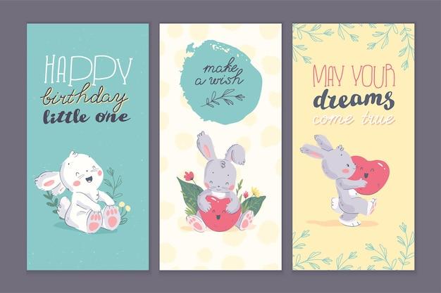 Vector set gelukkige verjaardag felicitatie kaarten met bloemen hand getekende elementen, schattige kleine baby bunny karakter, hart vorm ballon geïsoleerd. goed voor cadeau decor, bd feestuitnodiging, baby shower