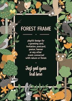 Vector verticaal lay-outkader met dieren en boselement. leuke grappige boskaartsjabloon.