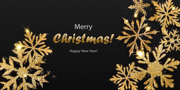 Vectorillustratie van mooie glanzende complexe kerstsneeuwvlokken gemaakt van glitters in gouden kleuren met schaduwen op donkere achtergrond