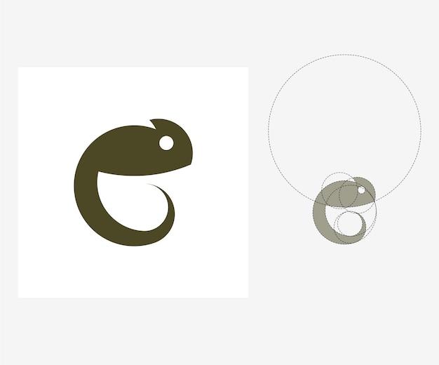 Vectorkameleon in gulden snedestijl. bewerkbare illustratie