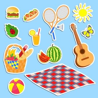 Vectorreeks kleurrijke kleurrijke stickers rond het thema van een picknick in de zomer in de natuur