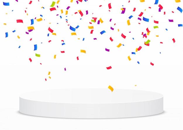 Veelkleurige confetti vallen op een wit rond podium. overwinning of winnaar concept.