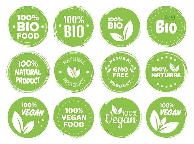 Vegan food logo labels en tags. vegetarische eco, natuurproduct groen concept. hand getekende illustratie.