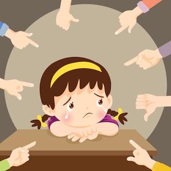 Verdrietig meisje huilen omringd door wijzende handen spottende haar pesten