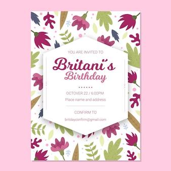 Verjaardag uitnodiging sjabloon met bloemen en bladeren