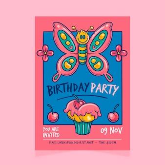 Verjaardag verjaardagsuitnodiging sjabloon met vlinder