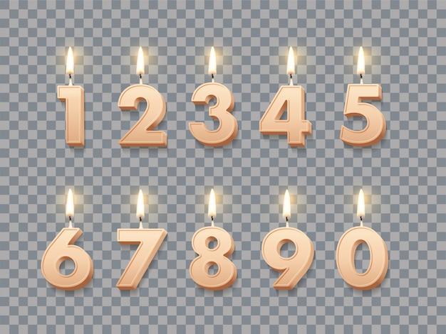 Verjaardagskaarsen met brandende geïsoleerde vlammen
