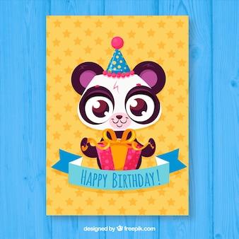 Verjaardagskaart met schattige beer in de hand getrokken stijl