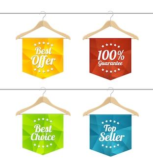 Verkoop etiketten op hangers set. het concept van seizoensverkoop