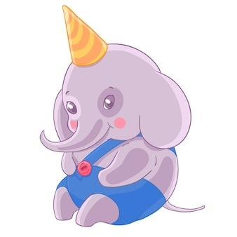 Verlegen jongen olifant in verjaardag cap en blauwe slipje.
