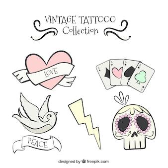 Verscheidenheid van decoratieve hand getekende tatoeages