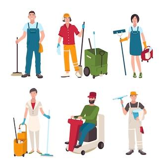 Verschillende conciërge set. mensen met reinigingsapparatuur glazenwasser, schoonmaker, vegen de vloer. man op de wasmachine, vrouw met een bezem. vectorillustratie in vlakke stijl.