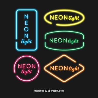 Verschillende gekleurde neonreclames
