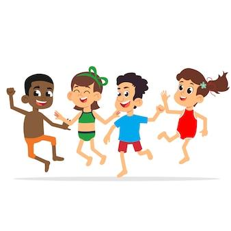 Verschillende kinderen springen en genieten in badpakken