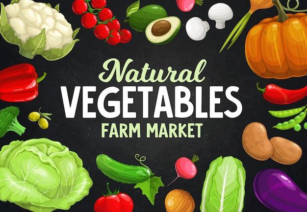 Verse boerengroenten, bonen, champignons en olijven. vegetarisch eten van paprika, tomaat, chili en broccoli, ui, radijs, erwt en aardappel, bloemkool, pompoen en komkommer