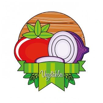 Verse tomaat met paarse ui