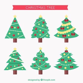 Versierde kerstbomen in verschillende vormen