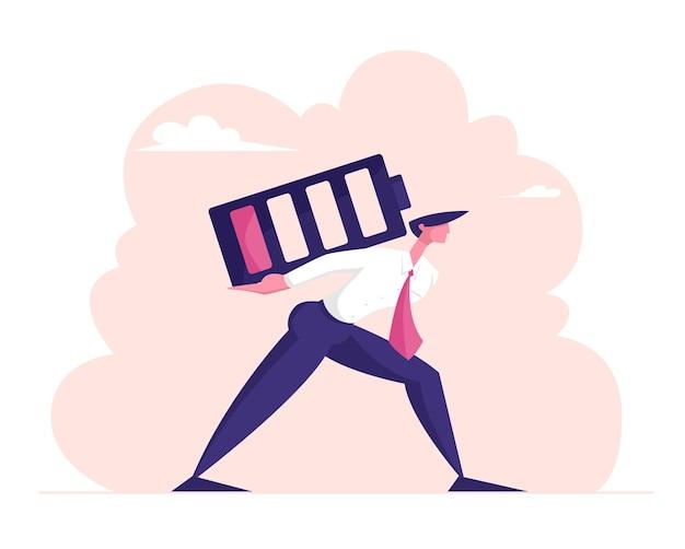 Verwarde zakenman draagt enorme batterij met een laag rood oplaadniveau op de rug