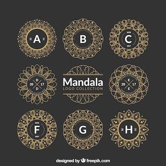 Verzameling van decoratieve gouden mandala's