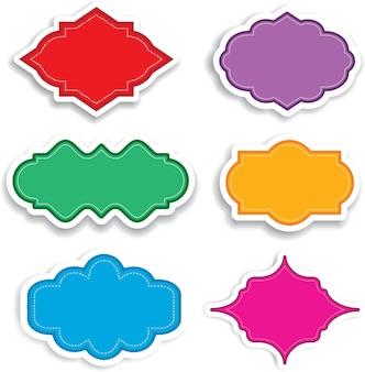 Verzameling van felgekleurde labels met slagschaduwen