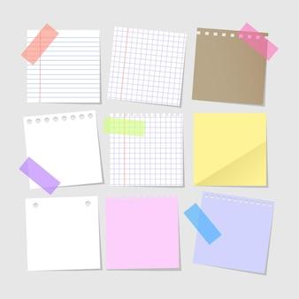 Verzameling van geïsoleerde realistische lege papieren notities