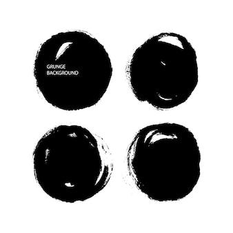 Verzameling van geïsoleerde ronde getextureerde inkt penseelstreken. handgetekende illustratie