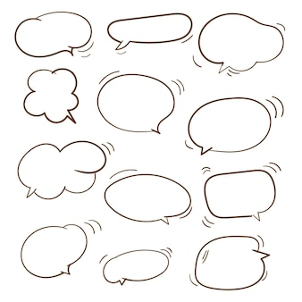 Verzameling van handgetekende doodle lege tekstballonnen instellen