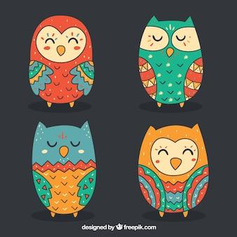 Verzameling van kleurrijke uilen