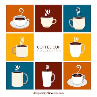 Verzameling van koffiebekers met stoom