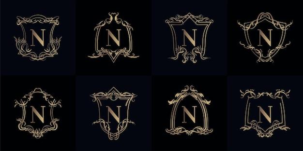 Verzameling van logo initiaal n met luxe ornament