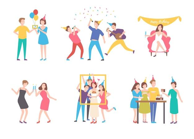 Verzameling van mensen die verjaardag vieren - taart eten, groepsfoto maken, zingen, cocktails drinken. platte stripfiguren geïsoleerd op een witte achtergrond. kleurrijke vectorillustratie.