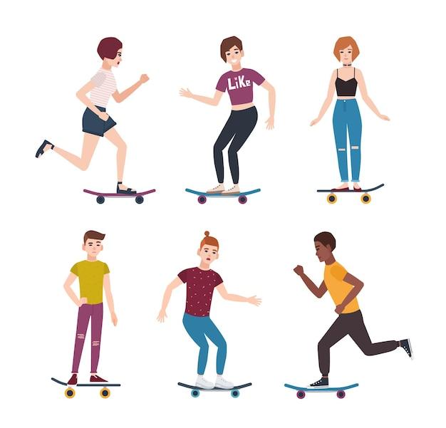 Verzameling van moderne tiener skaterjongens en -meisjes die skateboards rijden. aantal jonge tieners skateboarden.