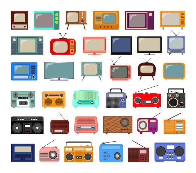 Verzameling van retro televisies en radio's in vlakke stijl.